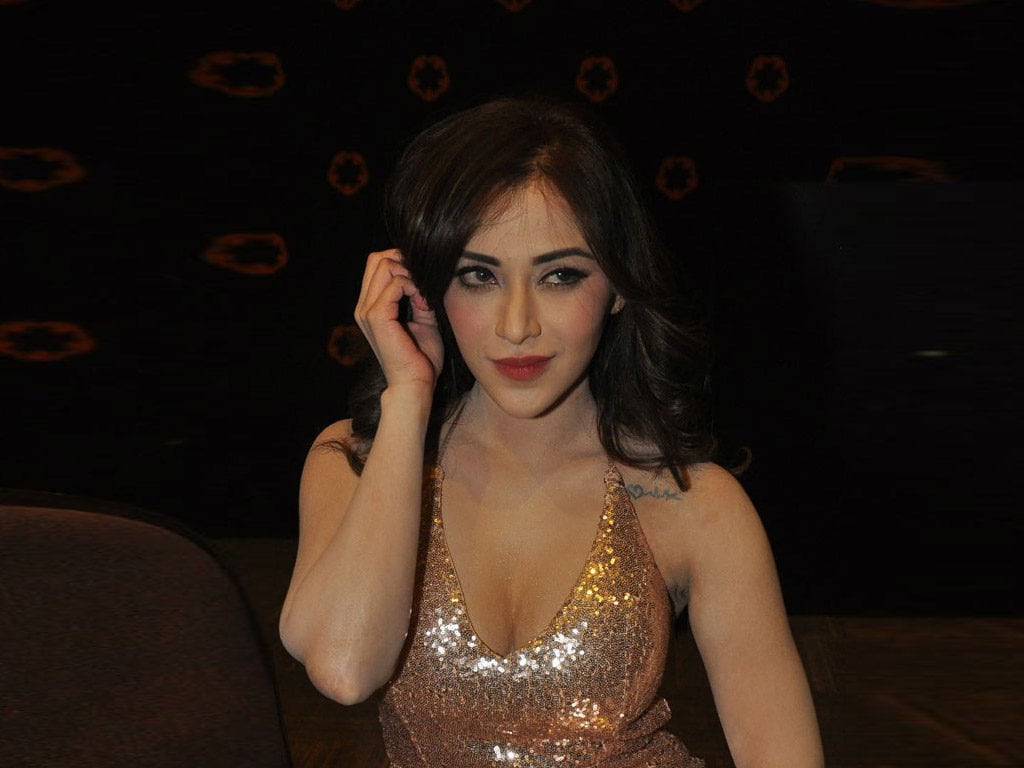 13 Hot And Sexy Photos Of Angela krislinzki Wiki Bio Before After Photos Everything