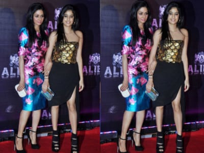 jhanvi-kapoor-with-Sridevi-at-event