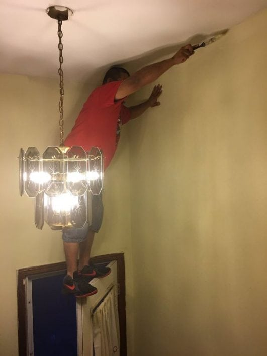 funny photos of workplace safety fails men accident waiting to happen (2)