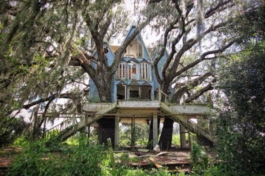 Victorian-style tree house, Florida, USA