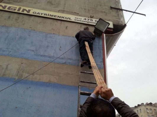 funny photos of workplace safety fails men accident waiting to happen
