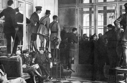Glimpsing the Versailles Signing — 1919