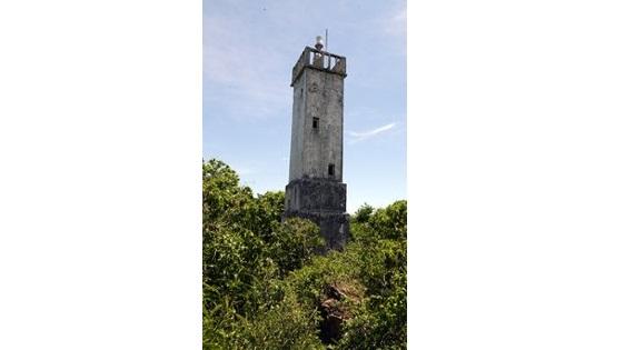 snake island lighthouse keeper story